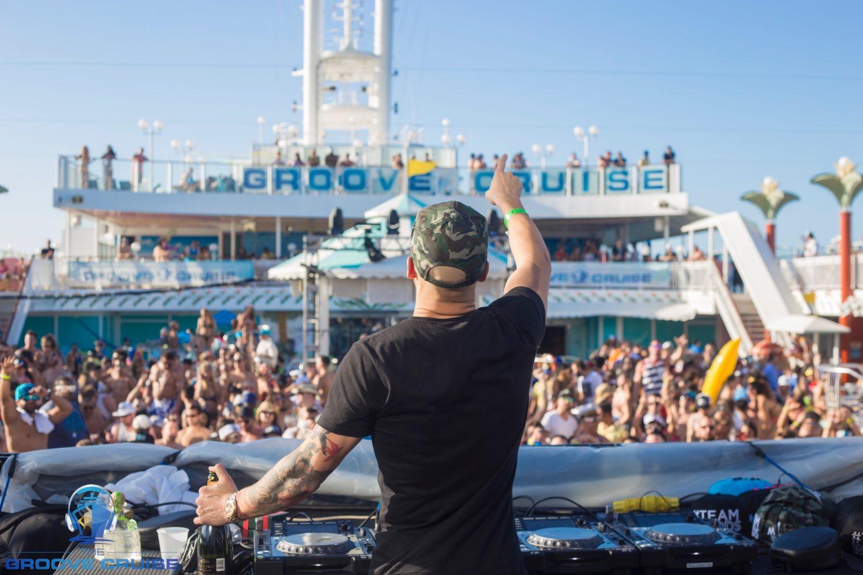 groove-cruise