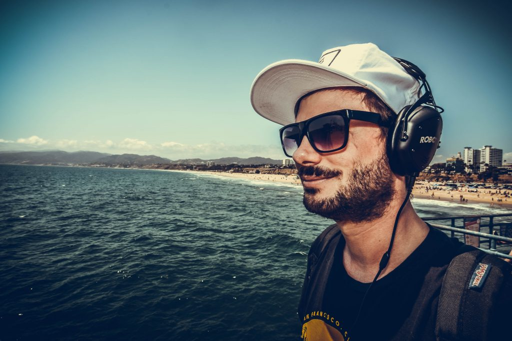 Sacha Robotti _ Merch-shot VModa_ by TC Bruggere