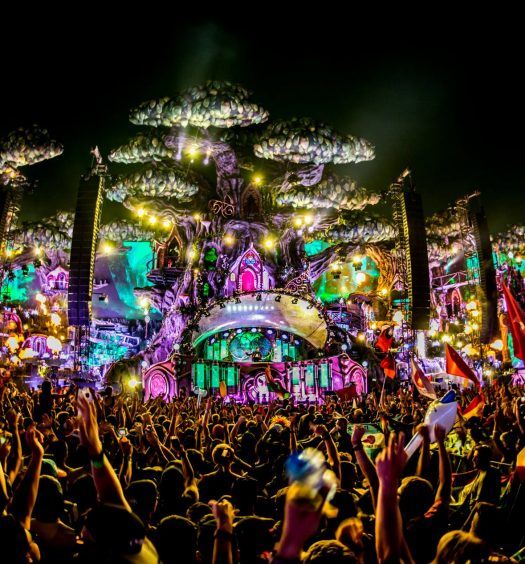 tomorrowland-main-stage-2016-1